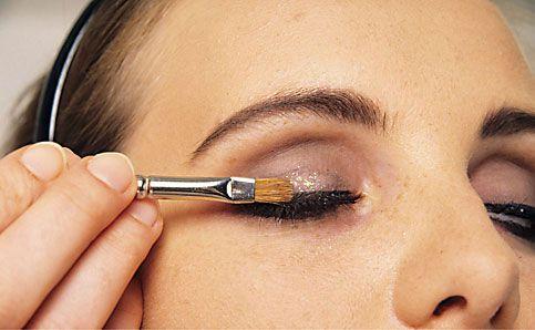 Abend Make up schminken rouge auftragen 14