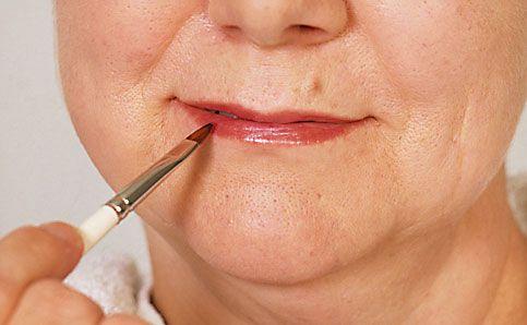 Reife Haut Lippen schminken Make up 7
