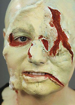 Zombie schminken halloween 8