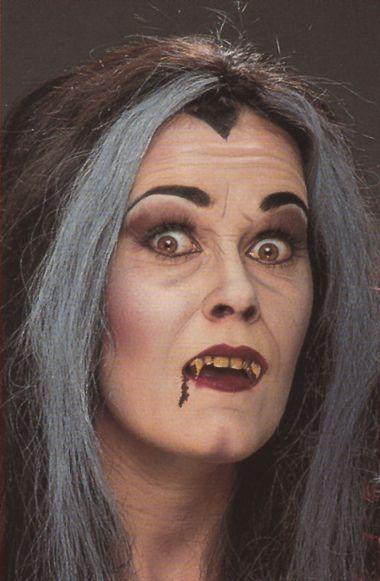Halloween Vampir Schminken Frau Anleitung Schminke Schminken