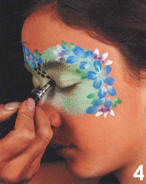 Schminkanleitung Blumen Maske schminken 4