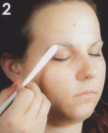 Zipper Face Augenbrauen wegschminken 2