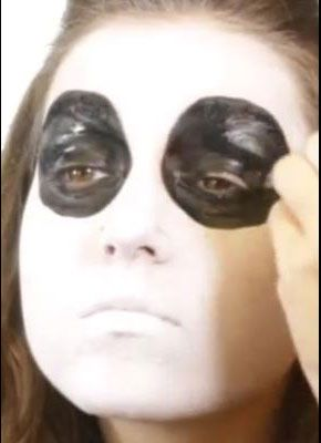 Sugar Skull Augen ausmalen